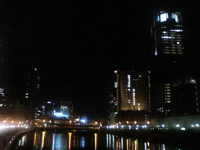 水の都、大阪の夜景