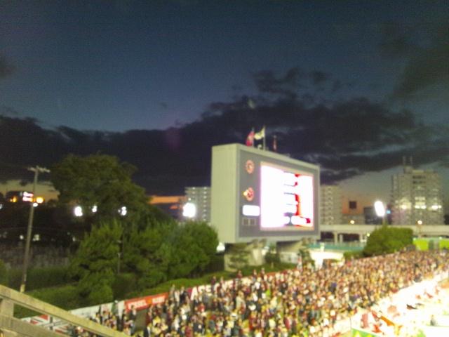 金鳥スタジアムの夕景